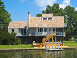 Spinnaker Waterfront Vacation House